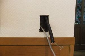コンセント・電話の増設工事の様子